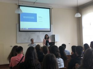 Milica Basta speaks to law students on data protection 1